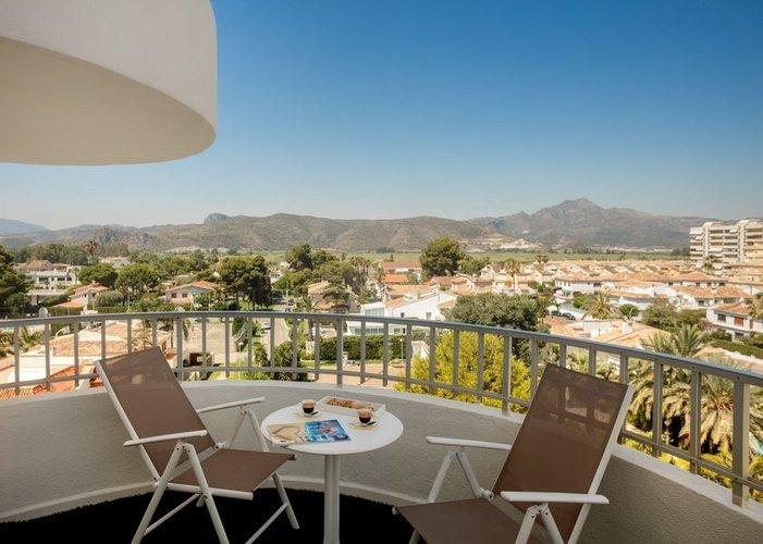 Terrasse de la chambre à l'annexe Villa Luz Family Gourmet & All Exclusive Hôtel Plage de Gandía