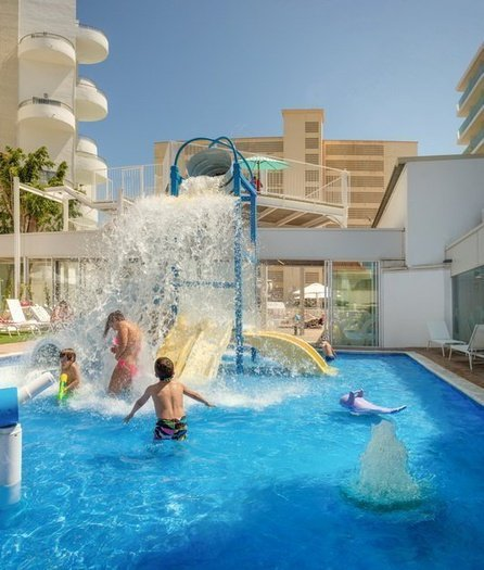 Magic aqua experience™ pour les enfants villa luz family gourmet & all exclusive hôtel plage de gandía
